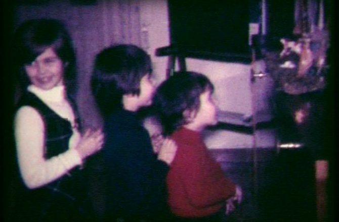Io e miei fratelli a Natale di..un po' di anni fa!